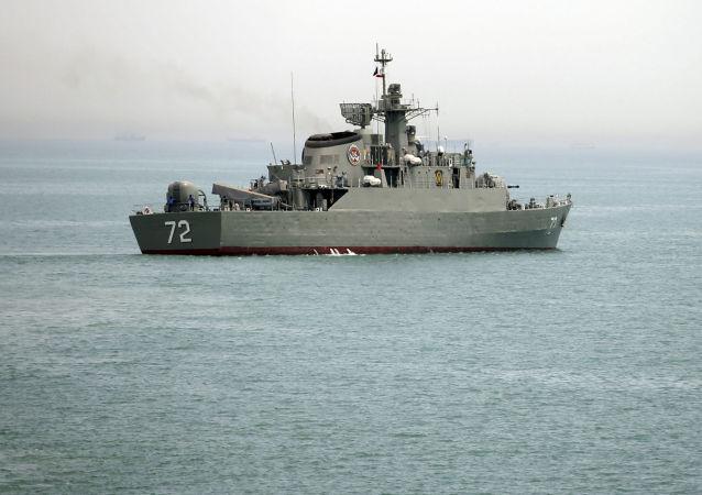 媒體:伊朗快艇在波斯灣向一艘懸掛新加坡國旗的油輪開火