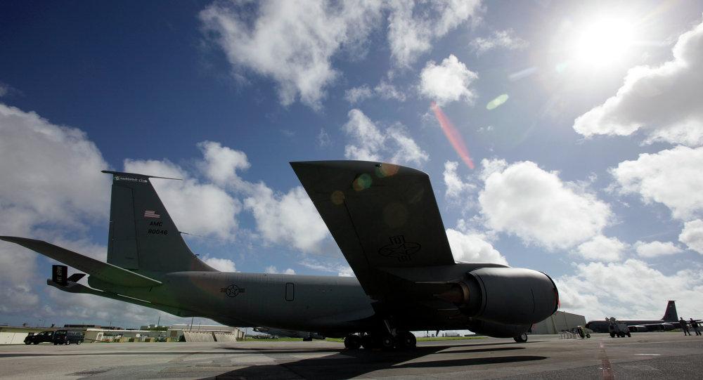 KC-135「同溫層加油機」