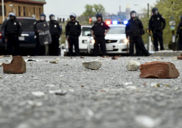 美国北达科他州输油管道施工方与当地居民发生冲突