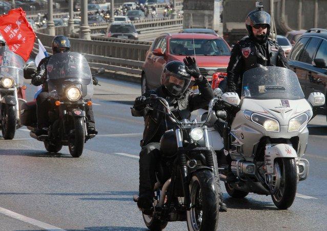 「勝利之路」摩托車賽的俄羅斯摩托車小組