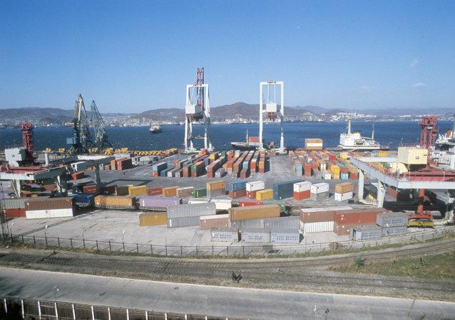 俄罗斯船只因债务问题被中方扣押 船上食物紧缺