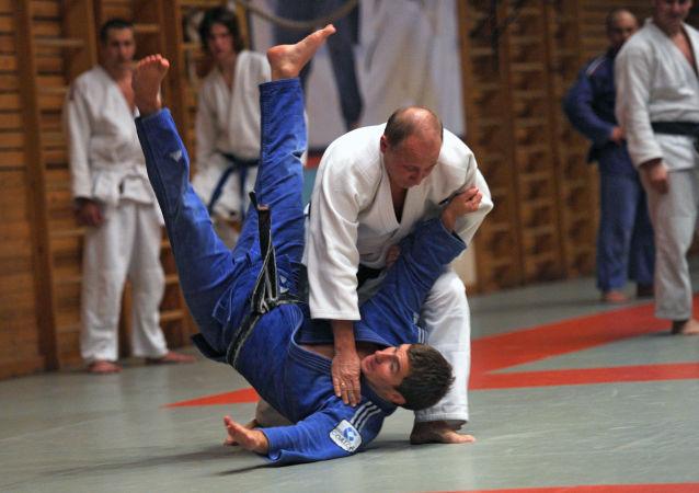 普京合著的柔道教材發佈會在莫斯科舉行