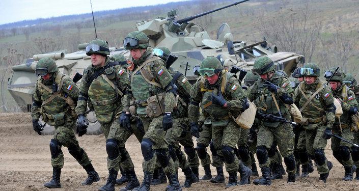 媒體:普京執政15年俄軍實力裝備更強更精良