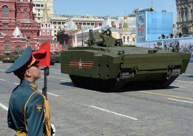 法媒:红场阅兵向全世界展示俄罗斯军力