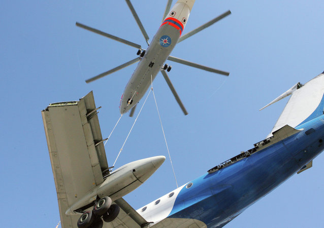 俄罗斯米-26直升机运输图-134客机