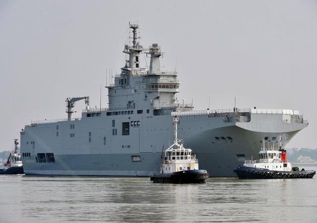 """报纸:沙特将帮助埃及付款购买""""西北风""""级直升机航母"""