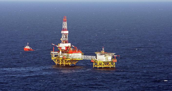 俄能源部长:俄愿从明年每日减产30万桶逐步降低采油量