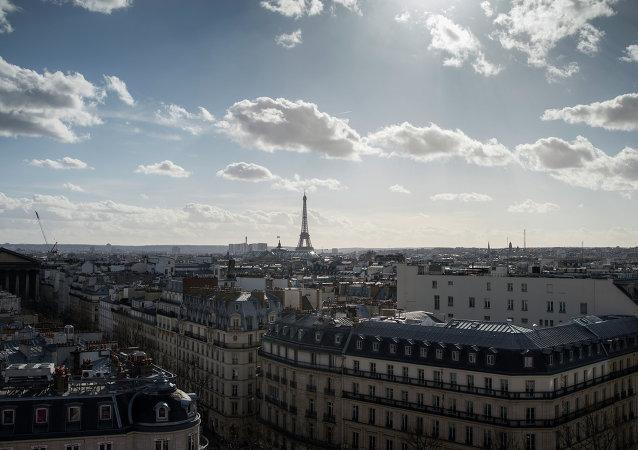 法国政府发言人在新闻发布会结束后没有为记者举办冷餐会