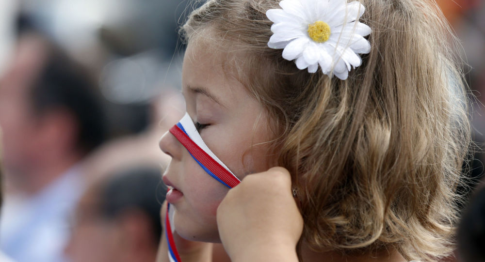 身形最小的俄羅斯姑娘被發現