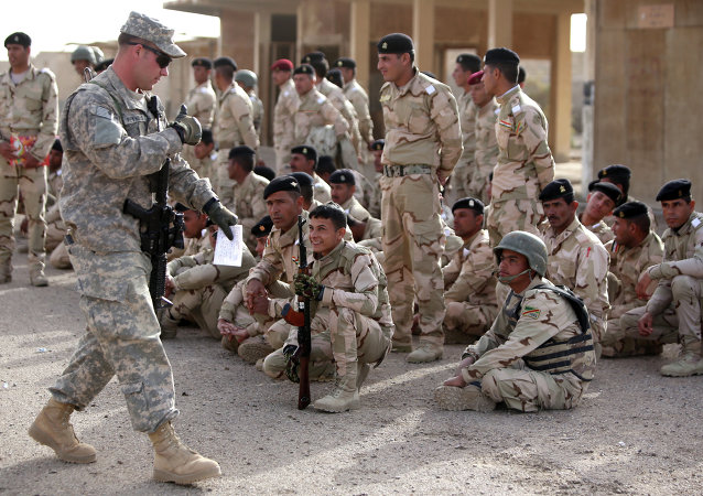 """""""伊斯兰国""""武装分子向驻伊美军基地发射了两枚火箭弹"""
