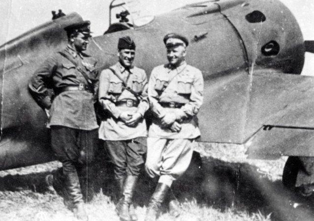 蘇聯志願飛行員