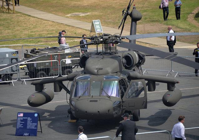 波蘭國防部簽署購買4架黑鷹直升機的合同