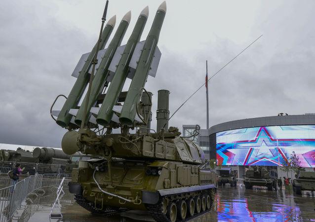 """俄""""阿尔马兹-安泰""""将在2015武器展展示最新产品"""