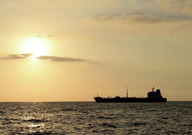 媒體:印尼海軍發現失蹤一周的馬來西亞油輪