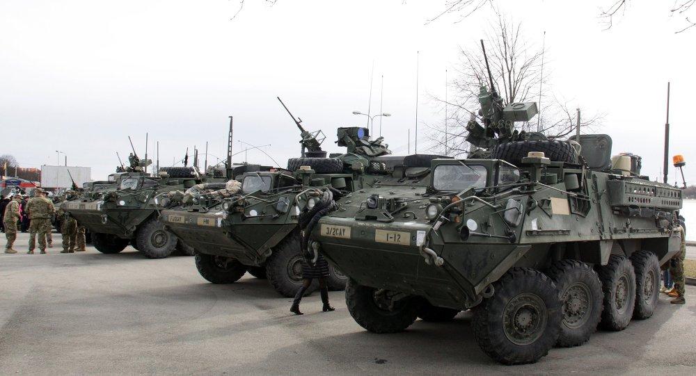 """美军""""斯特瑞克(Stryker)""""装甲车/资料图片/"""