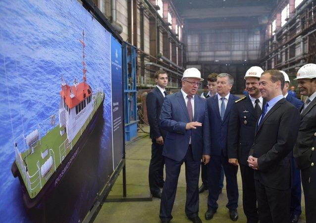 俄总理:俄政府将在船舶市场上进行进口替代