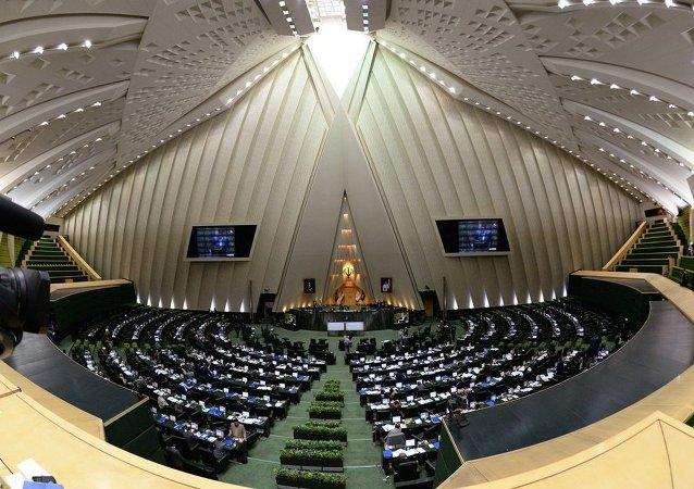 媒体:伊朗和六国就制裁问题达成初步协议