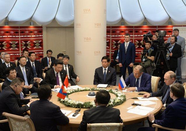 俄总统:俄中蒙有很大协作潜力