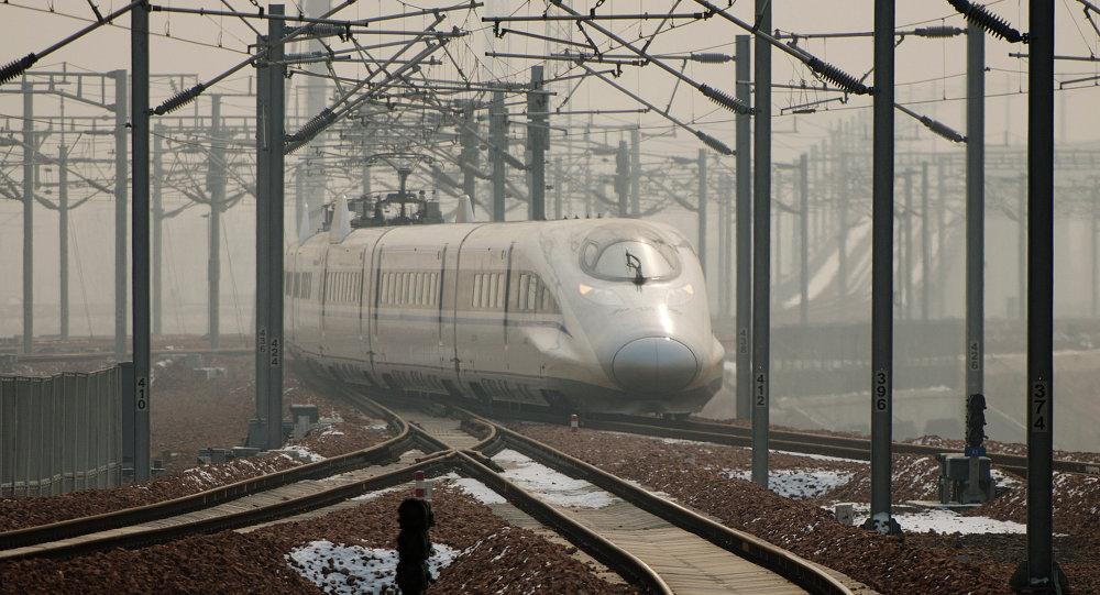 中国高铁启动智能自动驾驶系统试验