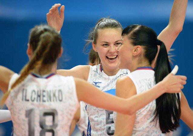 俄罗斯国家排球队战胜乌克兰队赢得世界大学生运动会金牌