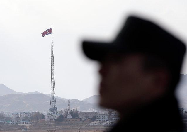 韩国向朝鲜转交5名获救渔民中的2名