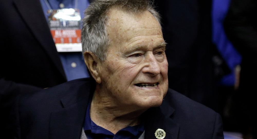 老布什摔断颈椎 生命无碍
