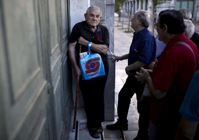 希腊财政部称所有银行将于7月20日恢复正常营业