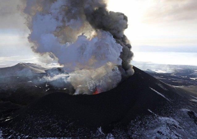 勘察加托爾巴奇克火山