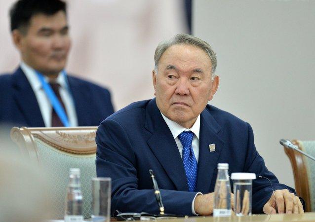 纳扎尔巴耶夫在作出辞职决定前未同普京协商