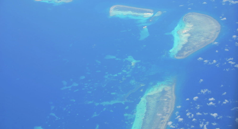 中国国防部:美国在南海军事化问题上持双重标准