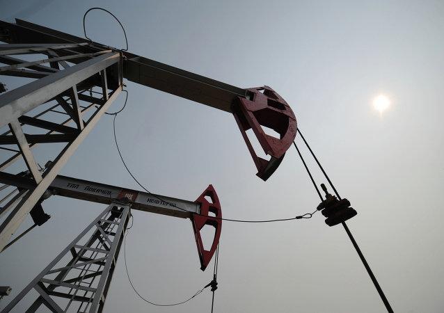 报告:2018年美国原油日产量或创新高