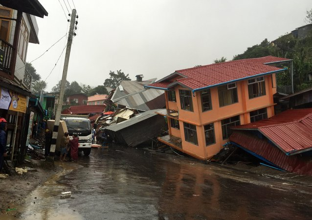 缅甸水灾导致10人死亡5万人紧急疏散