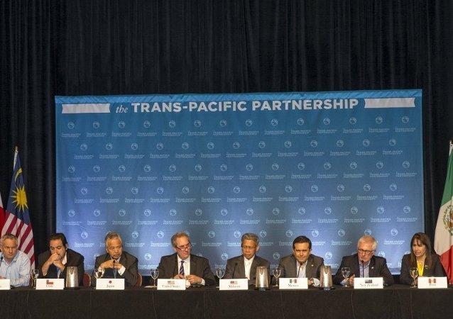白宮比喻美國退出《跨太平洋夥伴關係協定》是搬起石頭砸自己的腳