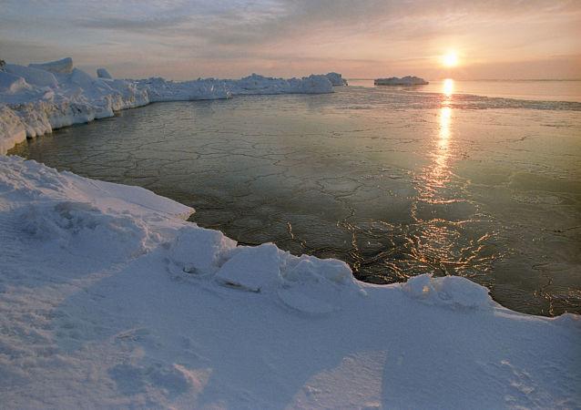 普京签署强制外国船舶报告北极行船路线的法案