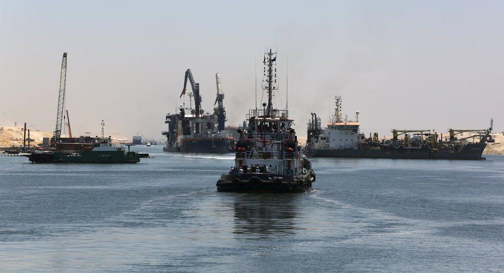 苏伊士搁浅货船已脱离事故现场抵达大苦湖