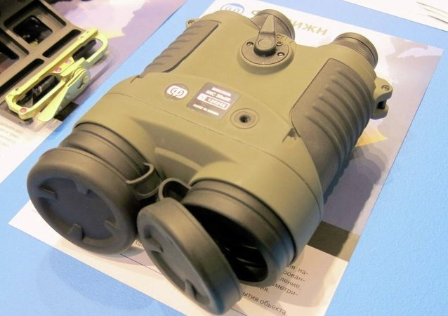 超级巨星或代言俄制双筒望远镜