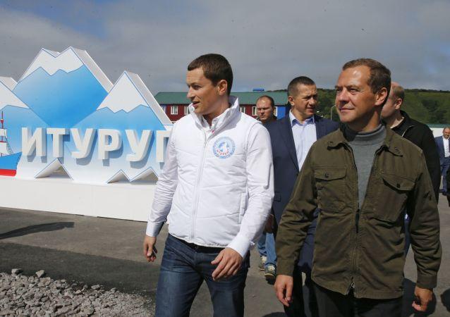 俄總理梅德韋傑夫飛抵千島群島擇捉島(資料圖片)