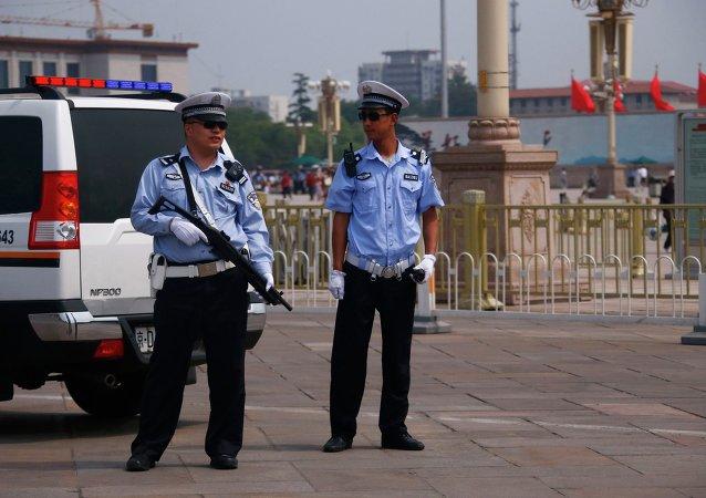 一名在繁忙公路上倒行3公里的汽车司机在南京被捕