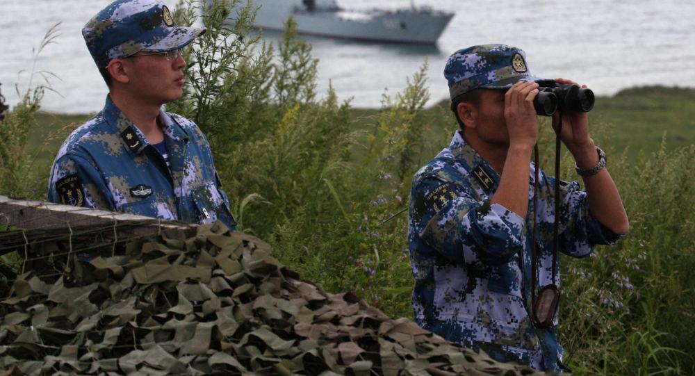 """中国军队代表团抵达俄穆罗姆参加""""开放水域""""竞赛决赛"""