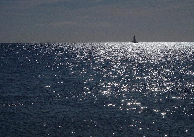 被扣俄帆艇船員在離開朝鮮前往符拉迪沃斯托克途中取得聯繫