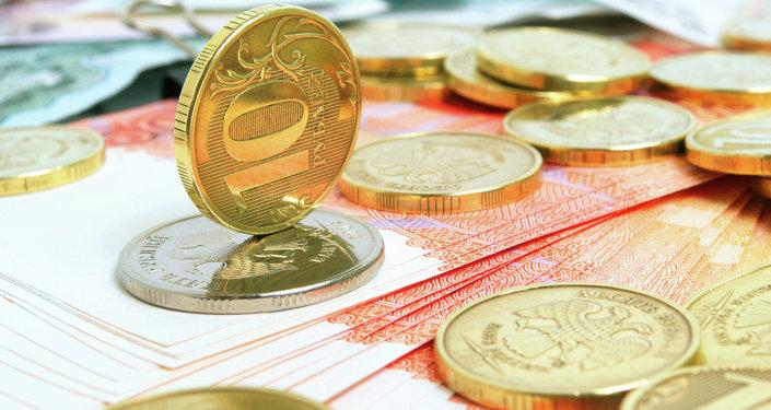 俄總統新聞秘書:盧布匯率波動是雙向的