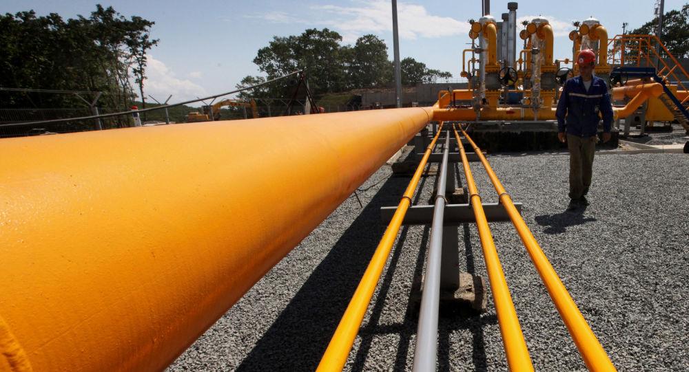 俄总理向油气行业工作者祝贺职业节日快乐并指出其工作的重要性