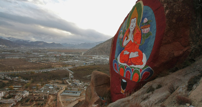 中国拉萨举行西藏自治区成立50周年庆祝大会