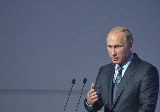 普京:独联体国家面临的外部威胁未减反增