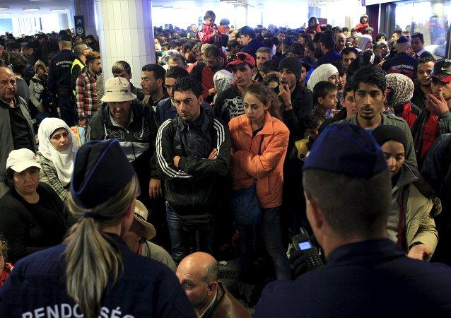 專家:伊斯蘭國未必會讓武裝分子隨難民一起進入歐盟