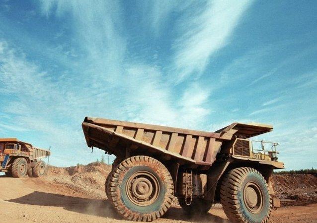 俄罗斯马加丹矿工首次开始在朝鲜开采金矿