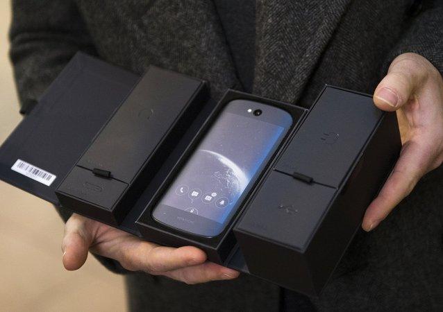 中國製造:YotaPhone將由中興生產