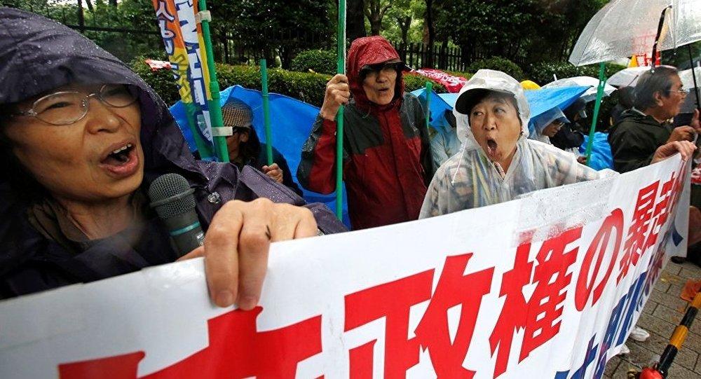 愈50%的日本人反对允许自卫队参与境外冲突的法律
