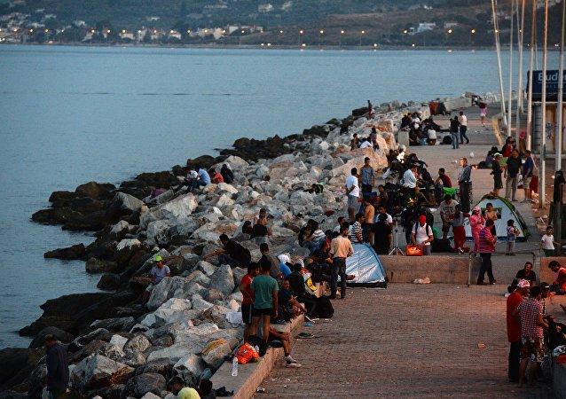 在希臘沿岸的難民船沈沒造成一名五歲女孩淹死