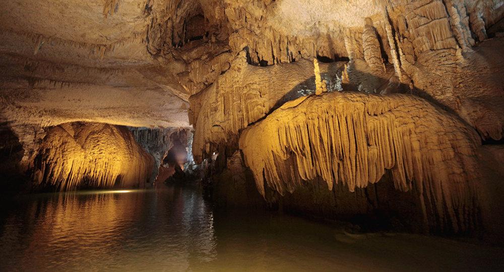墨西哥现世界最大水下洞穴